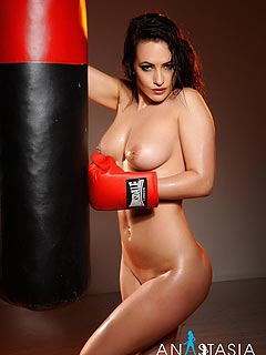 Glamorous brunette is doing boxing all naked lettingus enjoy the sight on her perfect body all sweaty