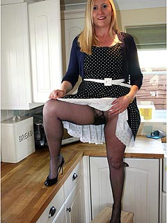 Next-door housewife is happy to see you coming: sexy up-skirt is the first thing you got to see