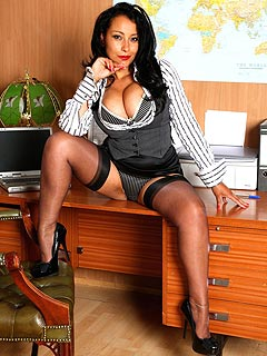Horny secretary is shameless enough to pleasure herself in the offcie