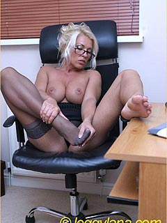 Crawl closer to enjoy the way lasy-boss taking down her stockings and fingering herself at working place