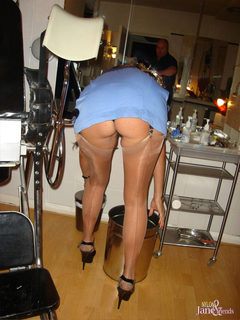 Women upskirts sexy milf pictures