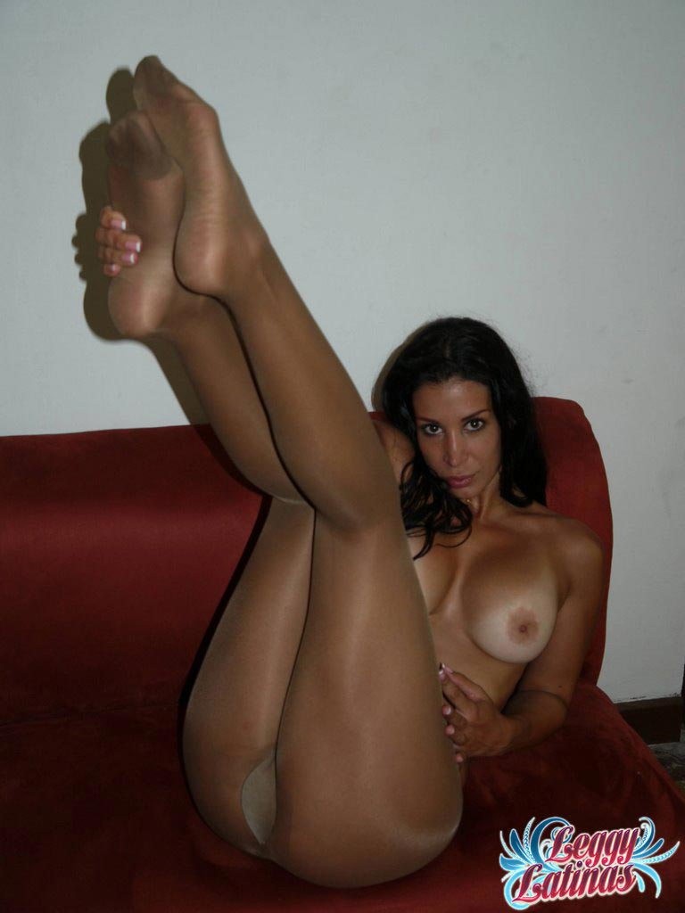 Horny amateurs bare feet woman
