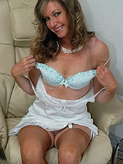 Lady is an avid fan of vintage type of lingerie and shares her passion with on-screen stripping