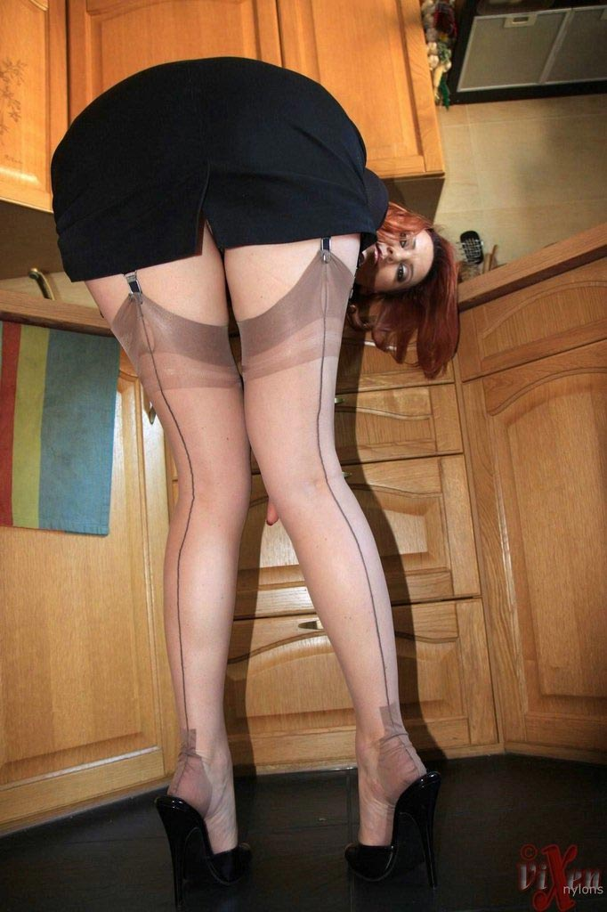 Sex wearing garter belts nylons stockings suspenders glamour pictures