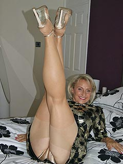 Unshaved naked wife pics